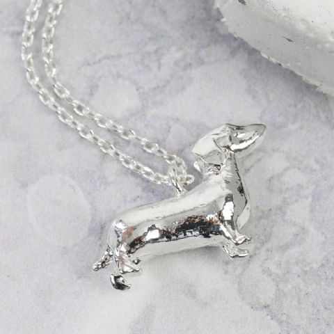 ROUNDED SAUSAGE DOG NECKLACE SILVER